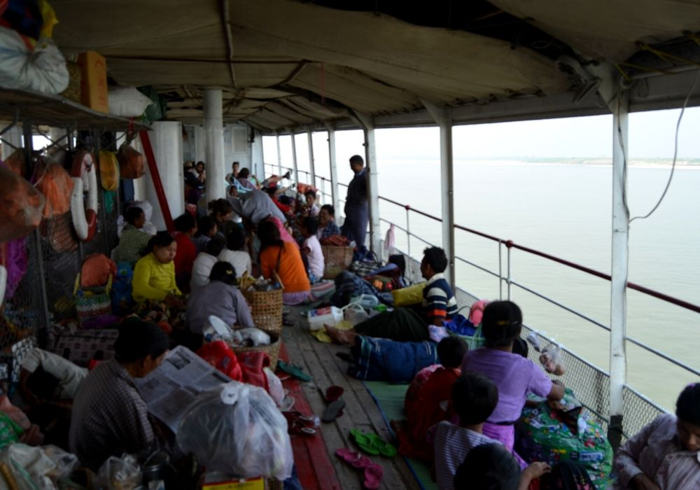 viaggio in myanmar slow boat 1 - Come muoversi in Myanmar: consigli pratici