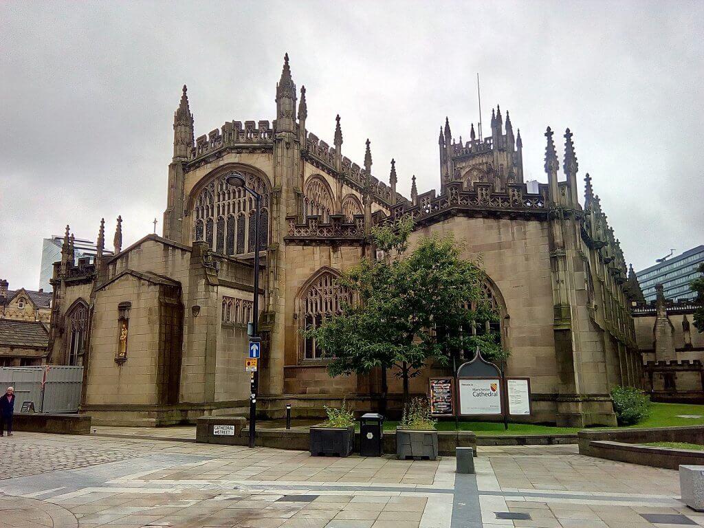 Cattedrale di Manchester 1024x768 - Cosa vedere a Manchester in un Weekend