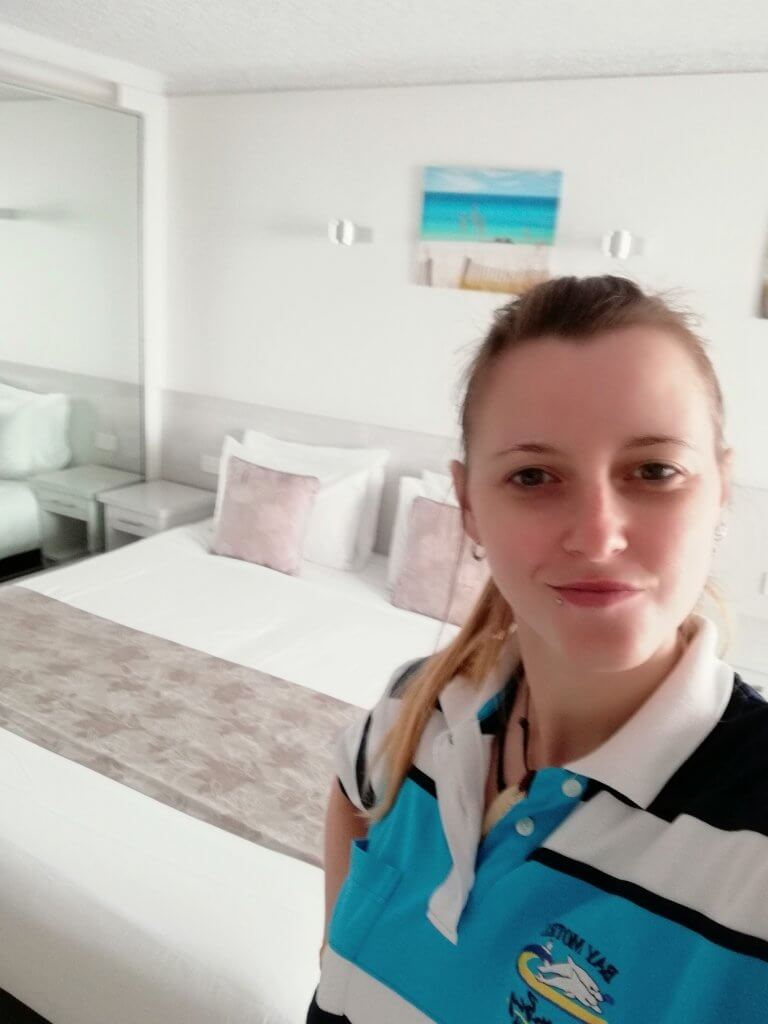 tania fesani lavora in un hotel