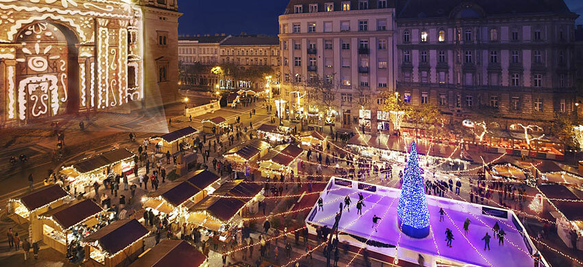 città di budapest illuminata a natale