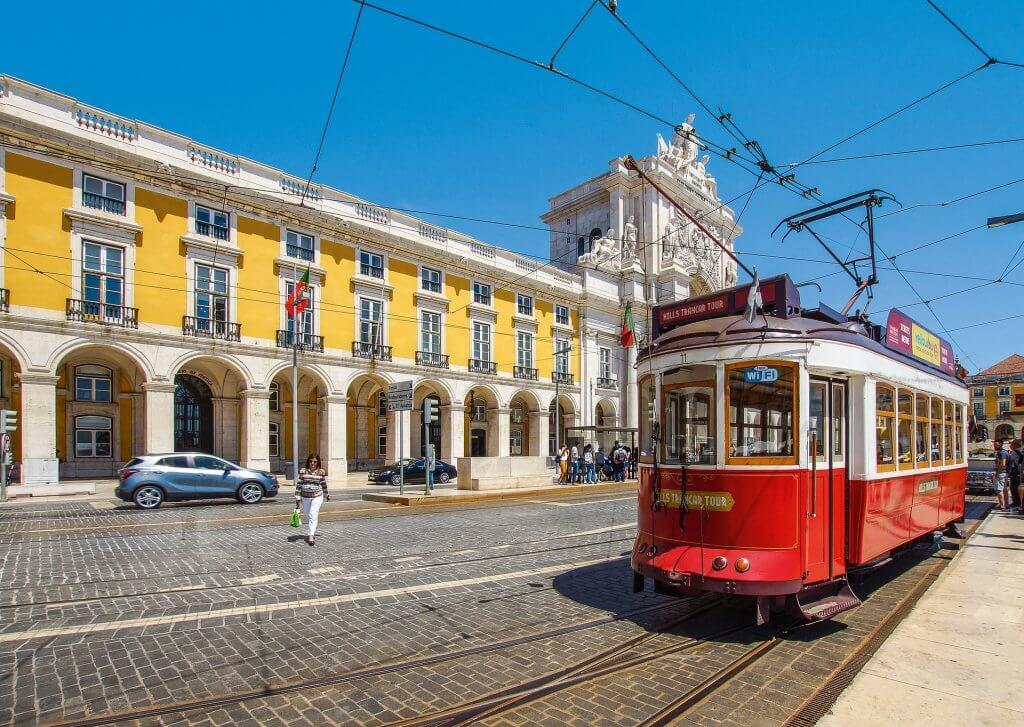 lisbona 1024x727 - Cosa fare a Lisbona con la pioggia: non solo musei!